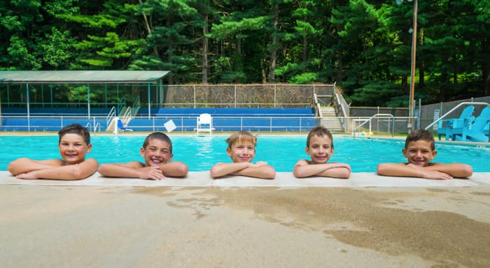 Airy campers in the pool