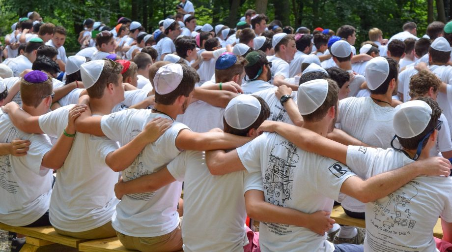 Airy campers at Shabbat